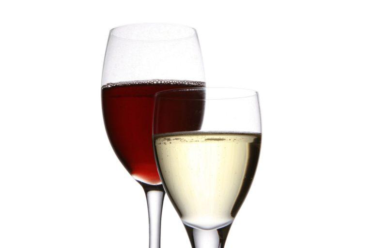 W sklepie oferowane są nam różne wina